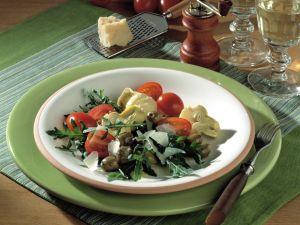 Raukesalat mit Artischocken und Tomaten Rezept