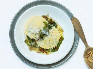 Ravioli aus Kartoffelteig mit Endiviengemüse Rezept