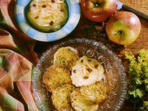 Reibekuchen mit Apfelmus Rezept