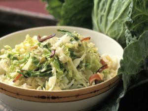 Reis-Kohl-Salat mit Speck Rezept