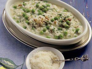 Reis mit Erbsen auf italienische Art Rezept