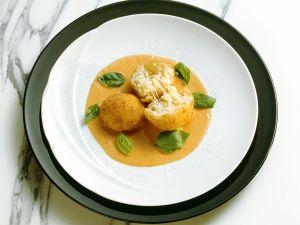 Reisbällchen mit Tomatensauce Rezept