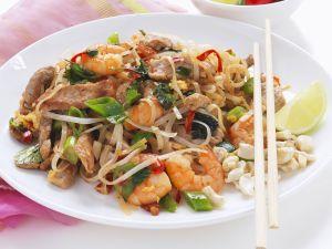 Reisnudeln mit Shrimps und Hähnchen Rezept