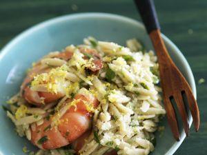 Reisnudeln (Orzo) mit Garnelen, Zitrone und Parmesan Rezept