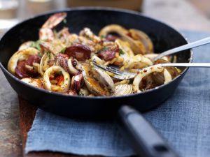 Reispfanne mit Meeresfrüchten (Paella) Rezept