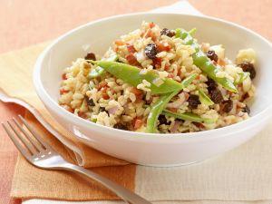 Reissalat mit Sultaninen und Walnusskernen Rezept