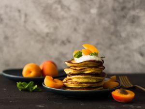Ricotta-Pancakes mit Aprikosen Rezept