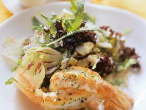 Riesengarnelen mit Salat Rezept