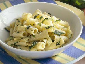 Rigatoni mit Zucchini Rezept