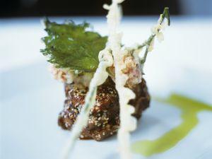 Rinderfilet auf Teriyaki-Art frittiertem Schnittlauch Rezept