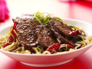 Rinderfilet mit Asia-Nudeln Rezept