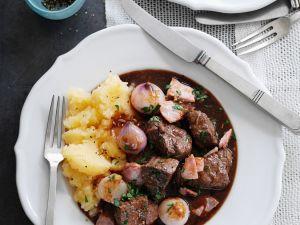 Rinderragout mit Kartoffelbrei Rezept