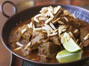 Rindfleisch-Curry mit Mandeln Rezept