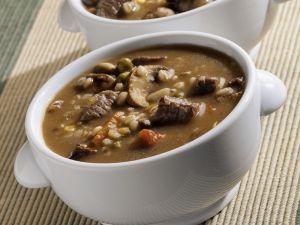 Rindfleisch-Graupen-Suppe mit Pilzen Rezept