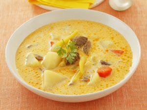 Rindfleisch-Kartoffel-Suppe mit Bohnen Rezept