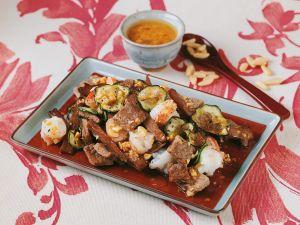Rindfleisch mit Garnelen und Asia-Dressing Rezept