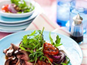 Rindfleischsalat mit Balsamico und Zwiebeln Rezept