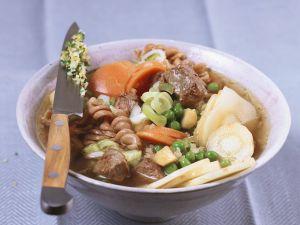 Rindfleischsuppe mit Nudeln Rezept