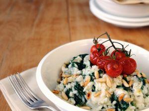 Risotto mit Spinat, Gorgonzola und Kernen Rezept