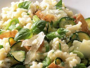 Risotto mit Zucchini und Schinken Rezept