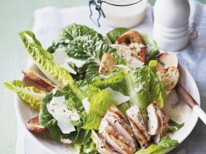 Römersalat mit Hähnchenbrust Rezept