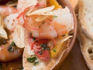 Röstbrot mit Knoblauchshrimps Rezept