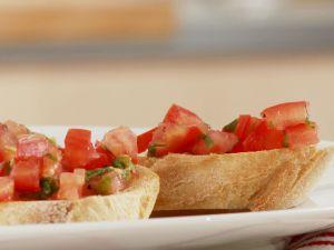 Röstbrote mit Tomaten Rezept
