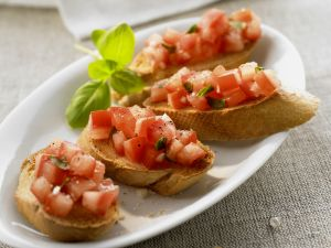 Röstbrote mit Tomaten (Bruschetta) Rezept