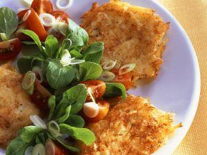 Rösti mit Salat Rezept