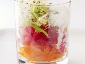 roher Thunfisch mit Gemüse Rezept