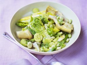 Romanasalat mit Gemüse Rezept