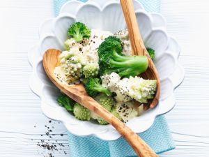 Romanesco-Salat mit Brokkoli Rezept