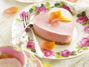 Rosa Käsekuchen mit Rosenblättern Rezept