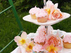 Rosen-Cupcakes mit Frosting Rezept