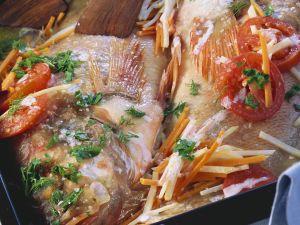 Rotbarsch auf gemischtem Gemüse Rezept