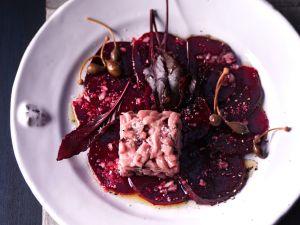 Rote-Bete-Carpaccio mit Kalbstatar Rezept