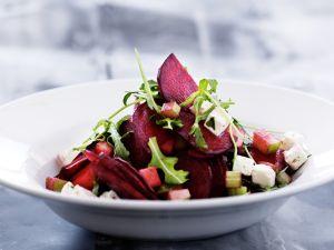 Rote Bete Salat mit Apfel und Feta Rezept