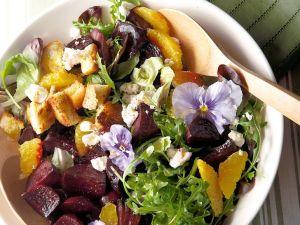 Rote-Bete-Salat mit Orange und Käse Rezept