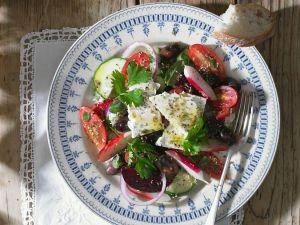 Rote Bete-Salat mit Schafskäse Rezept