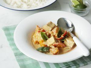 Rotes-Curry auf thailändische Art mit Tofu und Gemüse Rezept