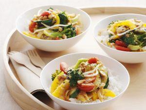 Rotes Curry mit Gemüse dazu Reis Rezept
