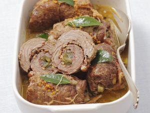 Rouladen vom Rind mit Pancetta und sauren Gurken Rezept