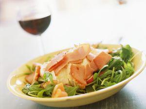 Rucola-Radieschensalat mit Käse Rezept