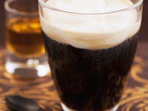 Rum-Kaffee mit Schlagobers Rezept