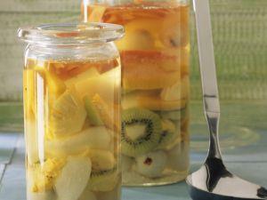 Rumtopf mit Südfrüchten Rezept