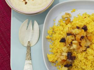 Safran-Couscous mit getrockneten Früchten Rezept