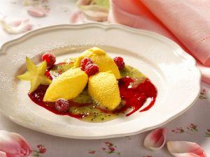 Safranmousse mit Himbeerpüree Rezept