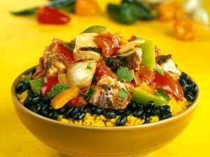 Safranreis mit schwarzen Bohnen und Hähnchen Rezept