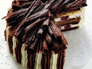 Sahne-Schoko-Kirsch-Torte Rezept