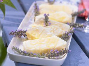 Sahniges Lavendel-Eis mit Lavendelhonig Rezept